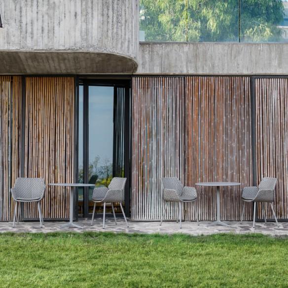 Chaise de jardin VIBE résine tressée gris clair/gris/taupe et coussin