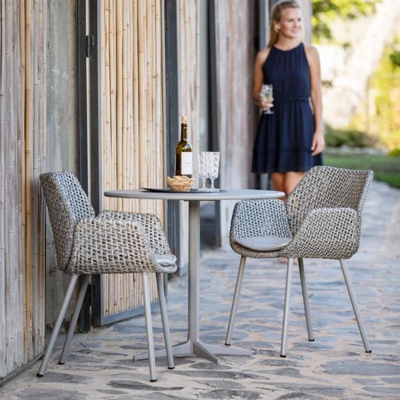Chaise de jardin VIBE résine tressée coussin taupe